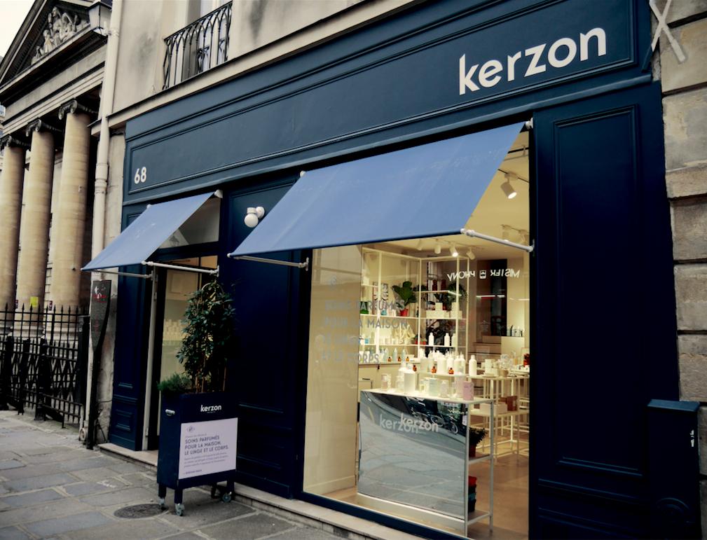 UN PETIT TOUR A LA MAISON KERZON SITUEE AU68 RUE DE TURENNE DANS LE III EME ARRONDISSEMENT DE PARIS