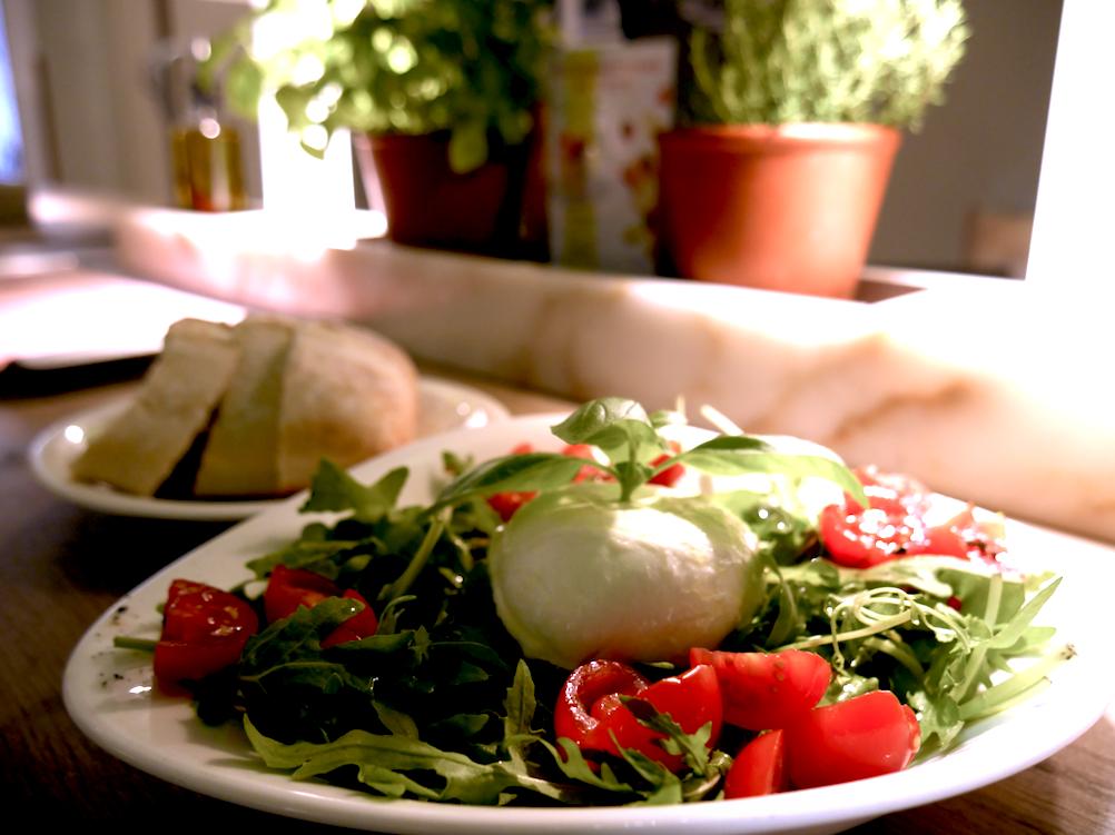 Une cuisine méditerranéenne, au 36 rue Marbeuf dans le 8 ème arrondissement de Paris